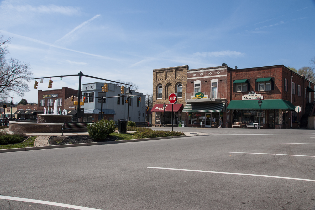 luton photography loudon tennessee i chose to shoot loudon on a sunday to focus on the buildings and not the